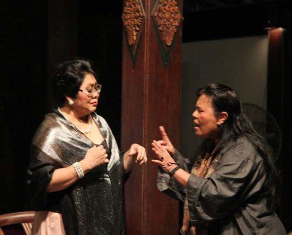 Monolog Tandem dua perempuan